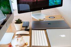 Free Apple Technology On Desktop Stock Images - 90098794