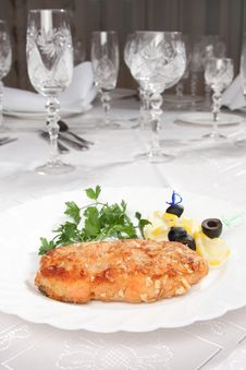Chop Served In White Table With Goblets Stock Photography