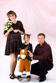 Free Portrait Of A Young Family Royalty Free Stock Photo - 9013915