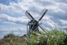 Free Windmill In Field Royalty Free Stock Photos - 90155988