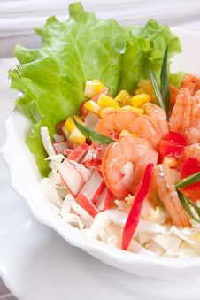 Free Salad With Prawns And Corn Close Up Stock Photography - 9023302