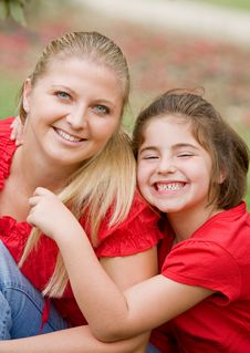 Free Mother Daughter Royalty Free Stock Photography - 9026067