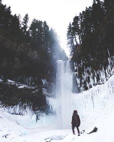 Free Winter Waterfall Stock Photos - 90280103