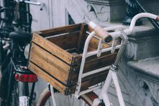 Free Bike With Crate Stock Image - 90280201