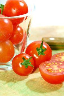 Free Red Tomato Series 3 Royalty Free Stock Photos - 9030778