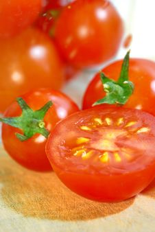 Free Red Tomato Series 3 Royalty Free Stock Images - 9030809