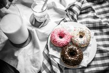 Free Milk And Donuts Royalty Free Stock Photos - 90356898
