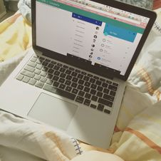 Free Laptop In Bed Stock Photos - 90358633