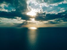 Free Dawn Over The Ocean Stock Photo - 90359030