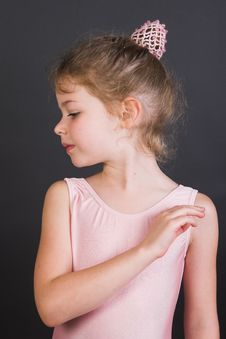 Free Tiny Ballerina Royalty Free Stock Photography - 9040397