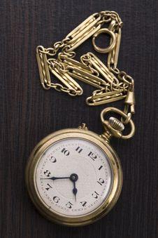 Free Old Golden Clock Royalty Free Stock Photos - 9040488