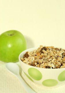 Free Muesli And Green Apple Royalty Free Stock Image - 9042136