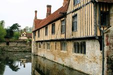Free Medieval Manor House 3 Royalty Free Stock Photo - 9046015