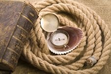 Free Old Compass And Rope Stock Images - 9046294