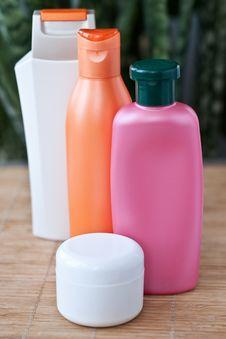 Free Shampoo Royalty Free Stock Photography - 9047427