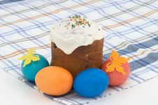Free Easter Cake And Easter Eggs Stock Photo - 9049720