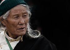 Free Elderly Woman Royalty Free Stock Image - 90429016
