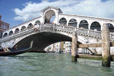Free Grand Canal - Rialto - Venice Italy Venezia - Creative Commons By Gnuckx Stock Image - 90488611