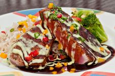 Free Grilled Tuna Plate Royalty Free Stock Photo - 9050995