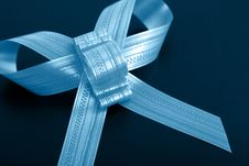 Free Blue Gift Royalty Free Stock Photography - 9051187