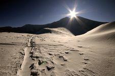 Free Sun And Mountain Stock Photos - 9057473