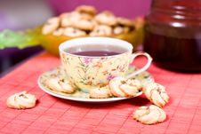 Free Cup Of Tea And Cookies Stock Images - 9058594