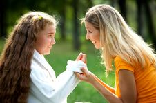 Free Happy Mom And Daughter Stock Images - 9059164