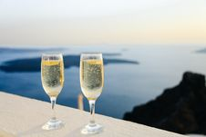 Free Champagne And Sea Stock Photo - 90553710