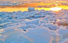 Free View Of Frozen Lake During Sunset Stock Photos - 90553963
