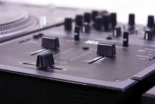 Free Dj Mixer Royalty Free Stock Images - 9061039