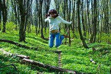 Free Jumping Girl Stock Image - 9063941
