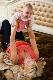 Free Baby With Mom Stock Images - 9064764