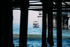 Free View From Under The Jetty Stock Photo - 90613960
