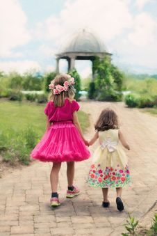 Free Children Wearing Pink Ball Dress Royalty Free Stock Photography - 90615097