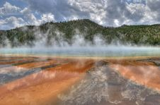 Free Grand Prismatic Spring Stock Image - 90660181