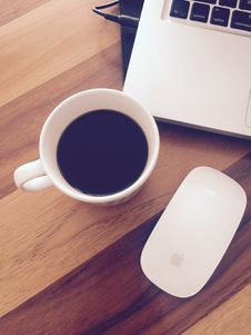 Free Coffee Cup And Laptop Stock Images - 90660794