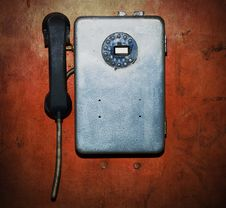 Free Old Broken Phone Royalty Free Stock Images - 9070019
