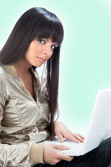 Free Beautiful Woman With Laptop Computer Stock Photography - 9071132