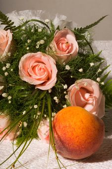 Rose And Peach Royalty Free Stock Photography