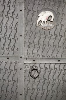 Free Metal Door Decoration Royalty Free Stock Photo - 9077175