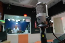Free Grey Condenser Microphone Royalty Free Stock Image - 90716346