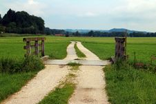 Free Path Through Green Meadow Royalty Free Stock Photography - 90717807