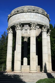 Free Pulgas Water Temple Royalty Free Stock Images - 9080309
