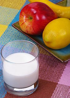 Free Fruits And Milk Royalty Free Stock Image - 9085136