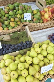Free Fruit For Sale Stock Images - 9085164