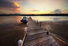 Free Pier At Sunset Stock Images - 90997074