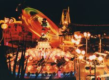 Free Amusement Park At Night Stock Photography - 90997272