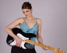 Free Guitar Woman Royalty Free Stock Photos - 910118
