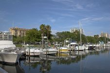 Free Boats & Condos Royalty Free Stock Images - 914569