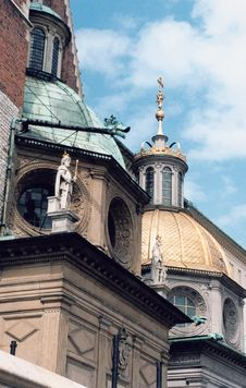 Free Church Roof Royalty Free Stock Photography - 915607